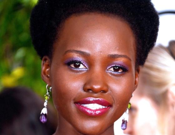 Lupita-Nyongo-maquiagem-golden-globe-2015
